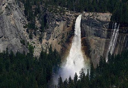 Thác nước Yosemite