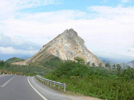 Đoạn đường đi Lao Bảo