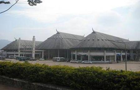 Trung tâm mua sắm ở Lao Bảo
