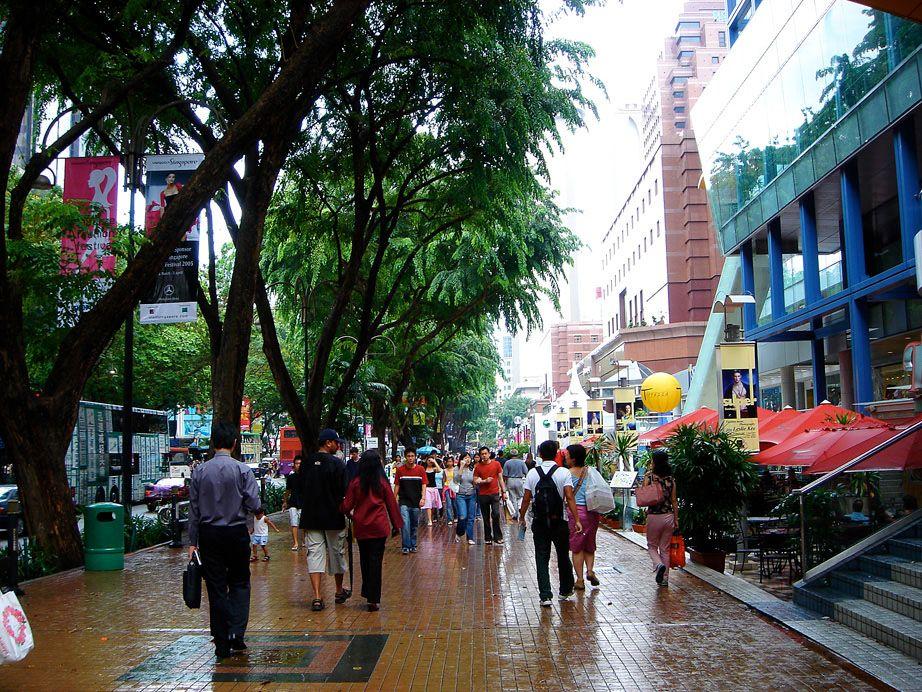 Orchard Road-con phố chen chúc những gian hàng