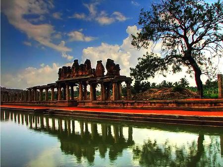 Tàn tích tuyệt vời của đế chế Vijayanagara còn sót lại