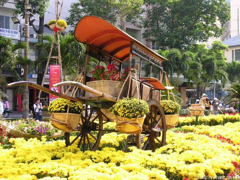 Đường hoa Nguyễn Huệ được tổ chức vào dịp Tết hàng năm