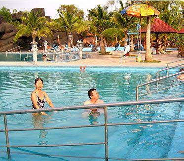 Tắm hồ nước khoáng nóng