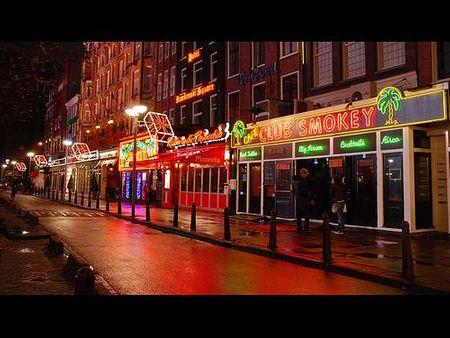 Nhà hàng, quán bar trên