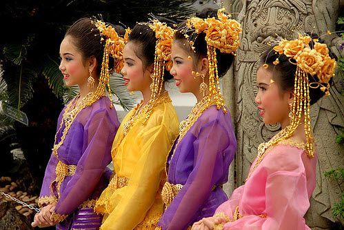 Thiếu nữ Thái