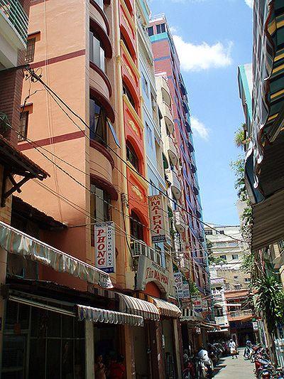 """Các """"mini hotel"""" ở phố Tây Phạm Ngũ Lão"""