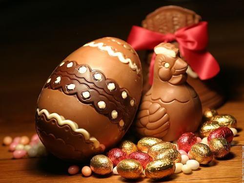 Người ta thường tặng nhau trứng Phục sinh làm từ chocolate