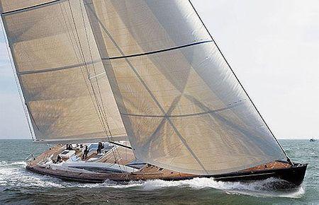 Hamilton II là một trong những du thuyền mới nhất được đưa ra thị trường. Nó giống một khách sạn hơn là du thuyền và lý tưởng cho các nhóm nhỏ. Hamilton II chạy hoàn toàn bằng sức gió. Giá thuê là 80.000 USD.