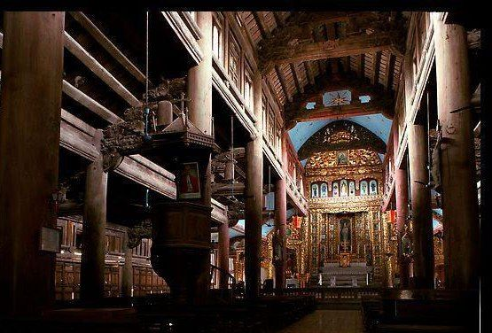 Quang cảnh trong nhà thờ lớn cho thấy sự chuẩn bị và xây dựng công phu trong bao năm