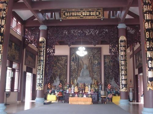Đại Hùng bửu điện, trung tâm của thiền viện, nơi cử hành những nghi lễ trọng đại