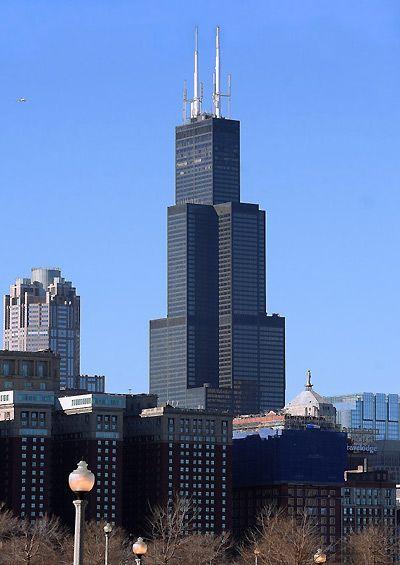 Sears Tower ở thành phố Chicago, cao 442m, xây năm 1974.