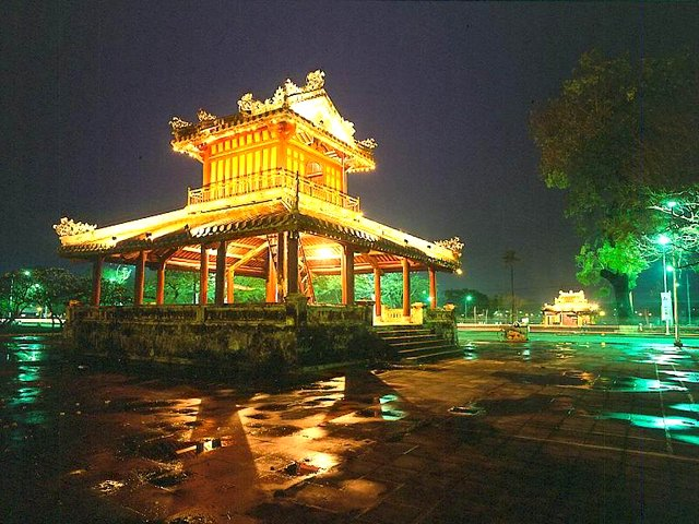 http://du-lich.chudu24.com/f/d/090710/hue-3.jpg