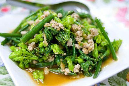 Cách nấu món ăn ngon  Cách nấu món ăn chống thiếu máu khi mang thai   Hoa thiên lý xào thịt heo