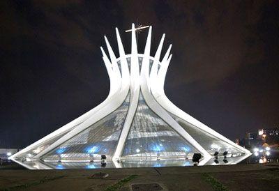 Nhà thờ Brasília ở thủ đô Brazil với kiến trúc đẹp hoành tráng.
