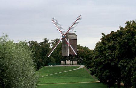 Cối xay gió không nằm trong thành phố nhưng lại có rất nhiều ở các vùng nông thôn