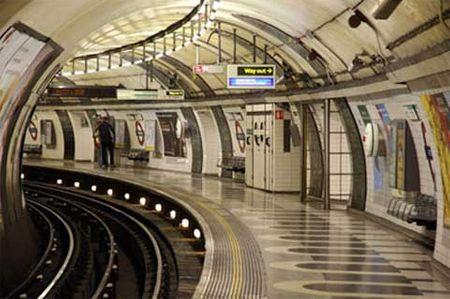Bên trong hệ thống tàu điện ngầm cổ nhất thế giới