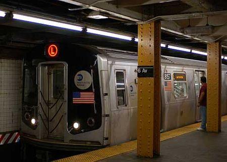 Mạng lưới tàu điện ngầm ở New York là một trong những hệ thống xe điện ngầm đồ sộ nhất thế giới