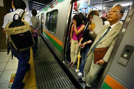 Hệ thống tàu điện ngầm ở Tokyo nhộn nhịp nhất thế giới