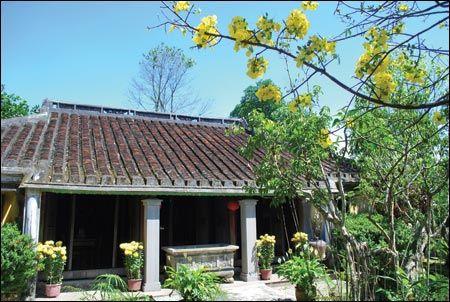 Ngôi nhà cổ trên 100 năm tuổi