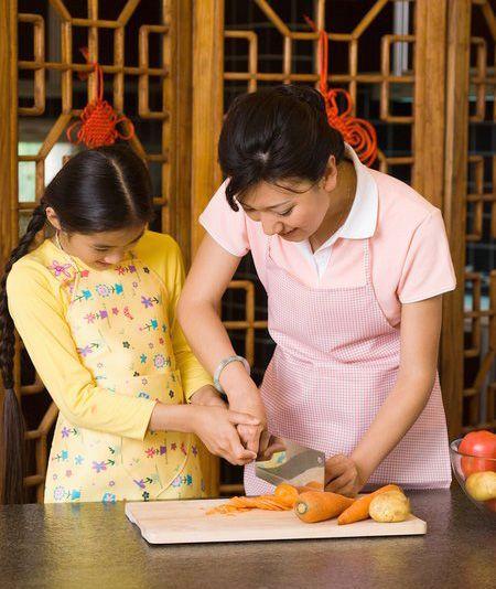 Thành thạo trong việc bếp núc sẽ giúp bạn rất nhiều trong cuộc              sống gia đình