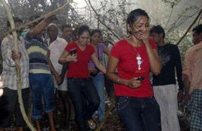 hình ảnh mới nhất về vụ tai nạn máy bay ở Ấn Độ