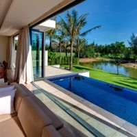 Hồ bơi - The Ocean Villas