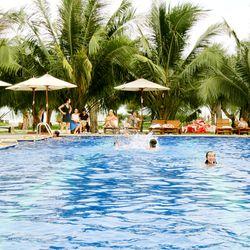 Đất Lành Beach Resort & Spa