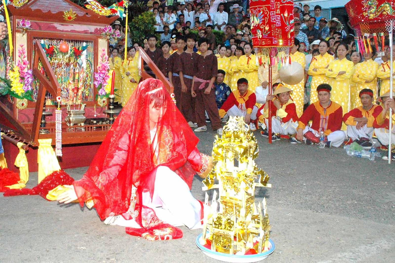 Châu Đốc chuẩn bị cho Lễ hội vía Bà Chúa Xứ núi Sam 6