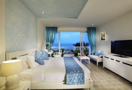 The Cliff Resort &Residences