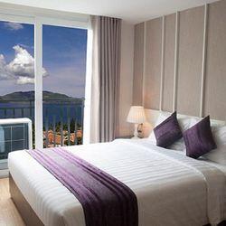Khách sạn Golden Time