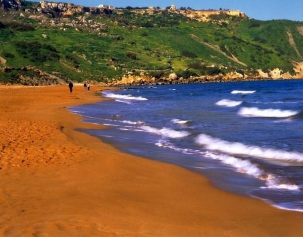 Đâu phải chỉ có những bãi biển cát vàng 4