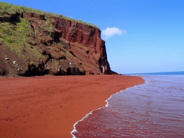 Đâu phải chỉ có những bãi biển cát vàng 3