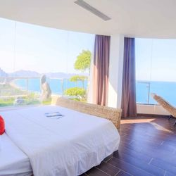 Khách sạn The Light Nha Trang