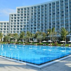 Vinpearl Nha Trang Bay Resort & Villas (Building)