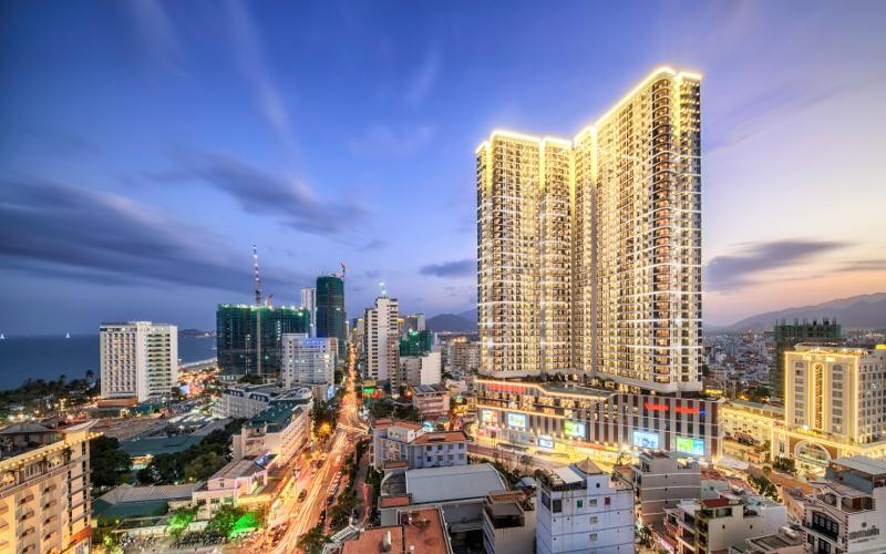 Vinpearl Condotel Beachfront 5* Nha Trang - Giá Mùa Lễ/Tết & Đỉnh Điểm