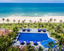 Lapochine Beach Resort Huế (Ana Mandara Huế)