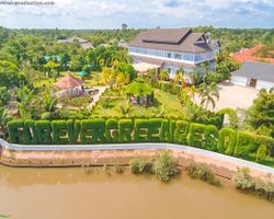 Forever Green Resort