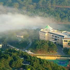 Dalat Edensee Lake Resort & Spa